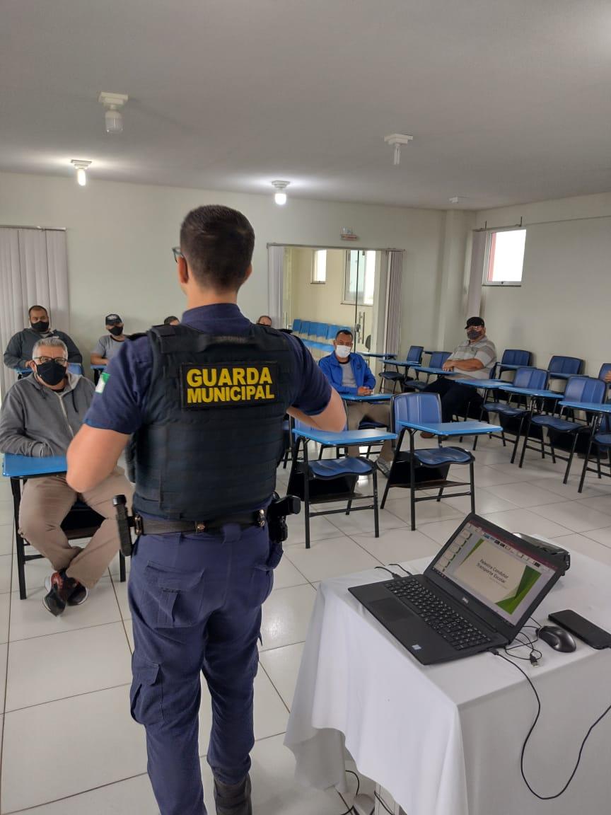 Servidores do Transporte Escolar Municipal participam de formação