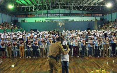 Alunos da Região Sul de Sarandi participam da formatura do Proerd