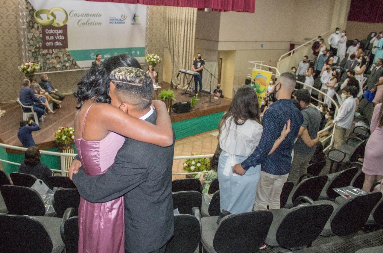 Casamento Comunitário é realizado na Casa da Cultura em Sarandi
